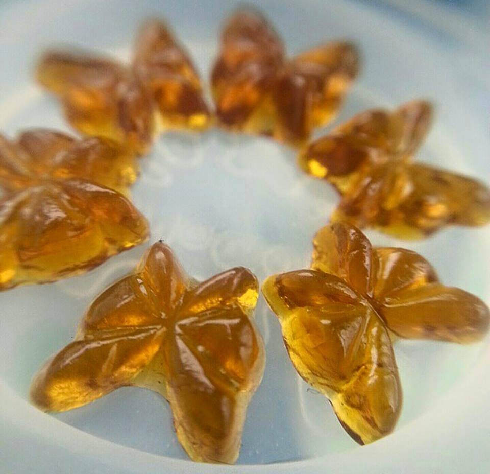 Butterfly dab How do you explain your brain on drugs to someone whos never tried them? Visually of course.