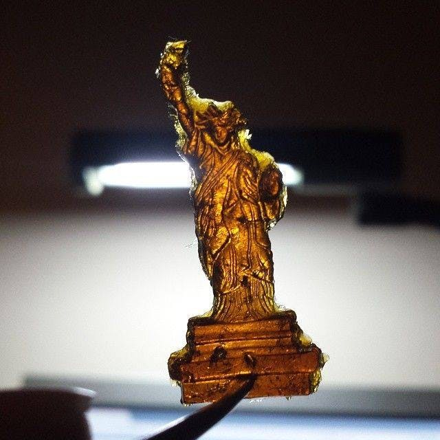 Lady Liberty dab How do you explain your brain on drugs to someone whos never tried them? Visually of course.