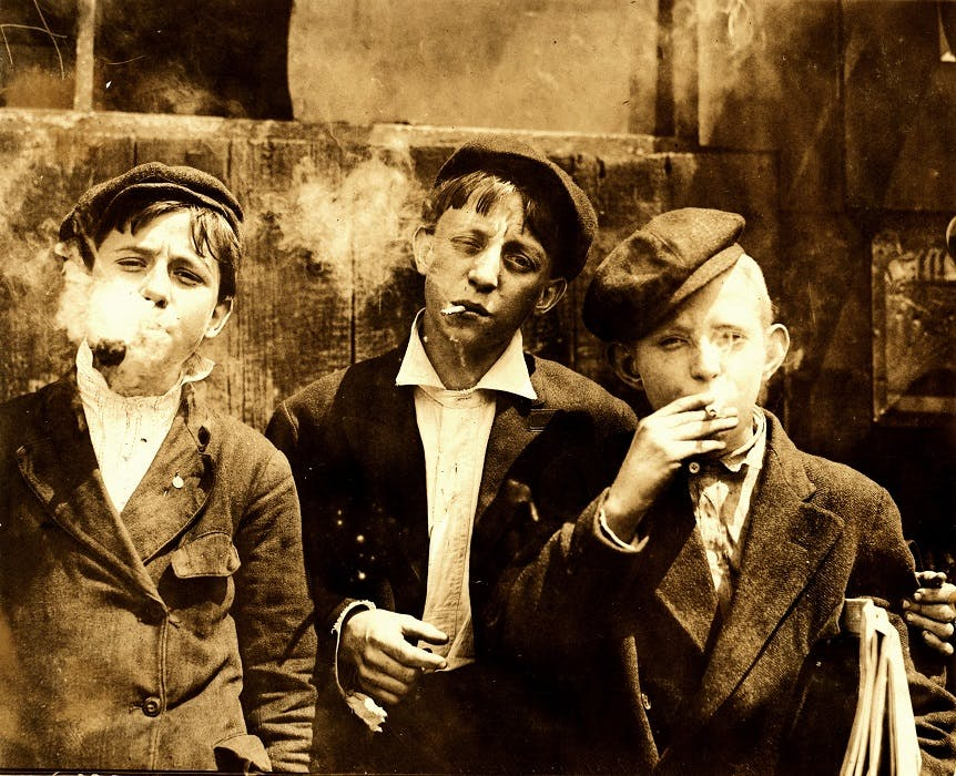 Lewis Hine Newsies smoking at Skeeters Branch St. Louis 1910 How do you explain your brain on drugs to someone whos never tried them? Visually of course.
