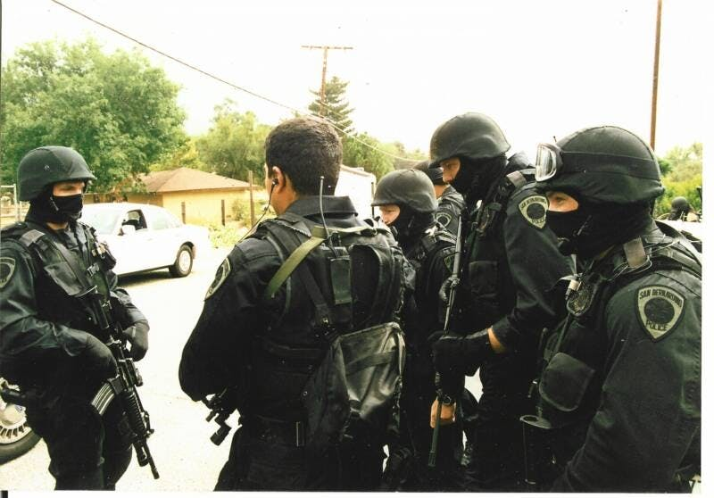 San Bernardino police swat team How do you explain your brain on drugs to someone whos never tried them? Visually of course.