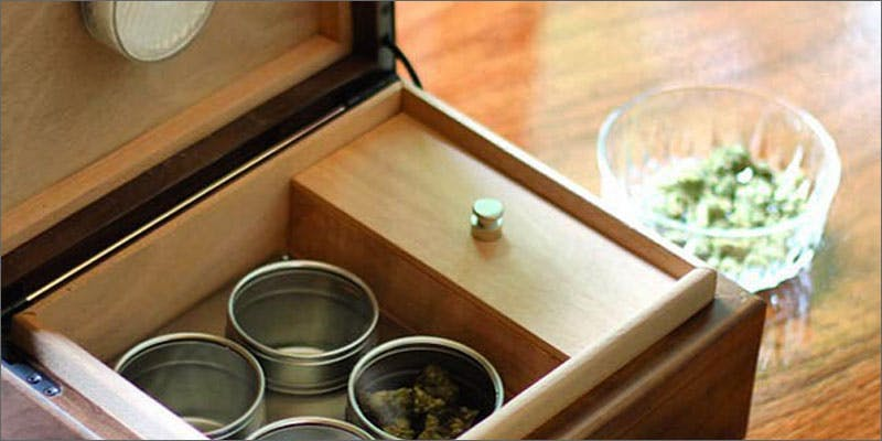 Store weed in a Cannador