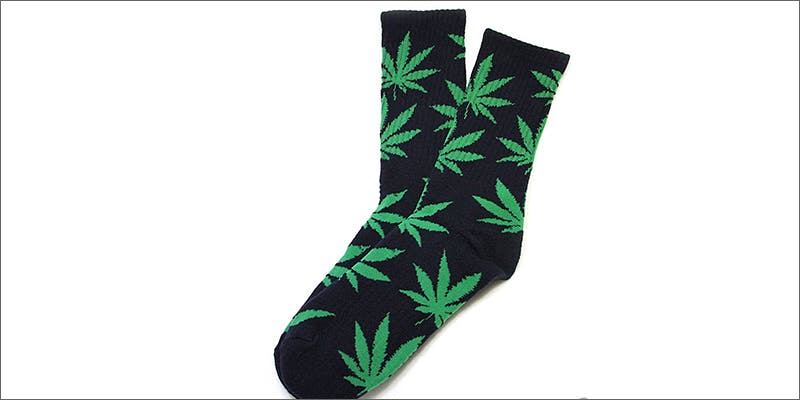 5 chores socks 2 Dumbasses With Weed Get Paranoid And Turn Themselves In