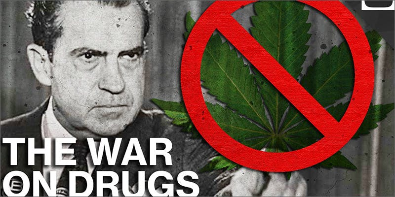 WE WAR NIXON 2 Dumbasses With Weed Get Paranoid And Turn Themselves In