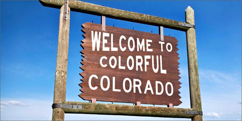 colorado sign 2 Dumbasses With Weed Get Paranoid And Turn Themselves In