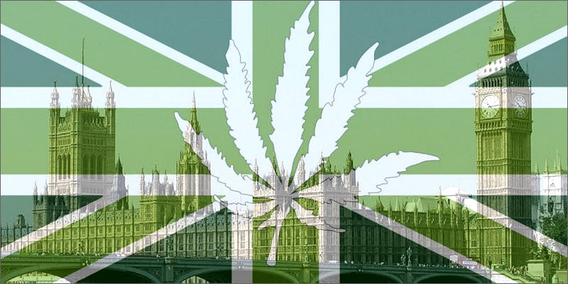 flag parliament 2 Dumbasses With Weed Get Paranoid And Turn Themselves In