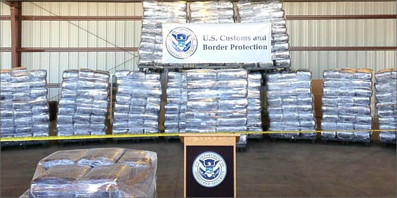 us customs 2 Dumbasses With Weed Get Paranoid And Turn Themselves In
