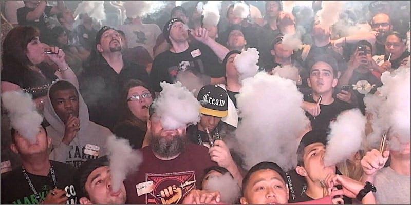 1 crowd vaping Snoop Roasts Donald Trump