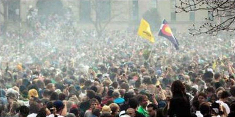 5 colorado pot laws crowd Snoop Roasts Donald Trump