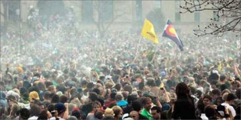 5 colorado pot laws crowd Chevy Chase and Bill Murrays Marijuana Mission