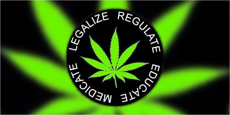 australia maryj ci 1 Chevy Chase and Bill Murrays Marijuana Mission