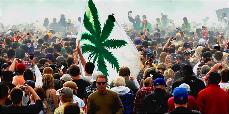 1 marijuana mall flag These People Cried When High And The Reasons Are Hilarious