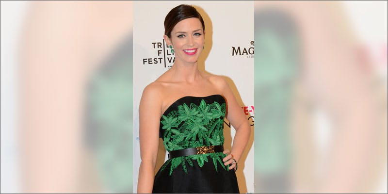 6 celeb wardrobe emily blunt These People Cried When High And The Reasons Are Hilarious