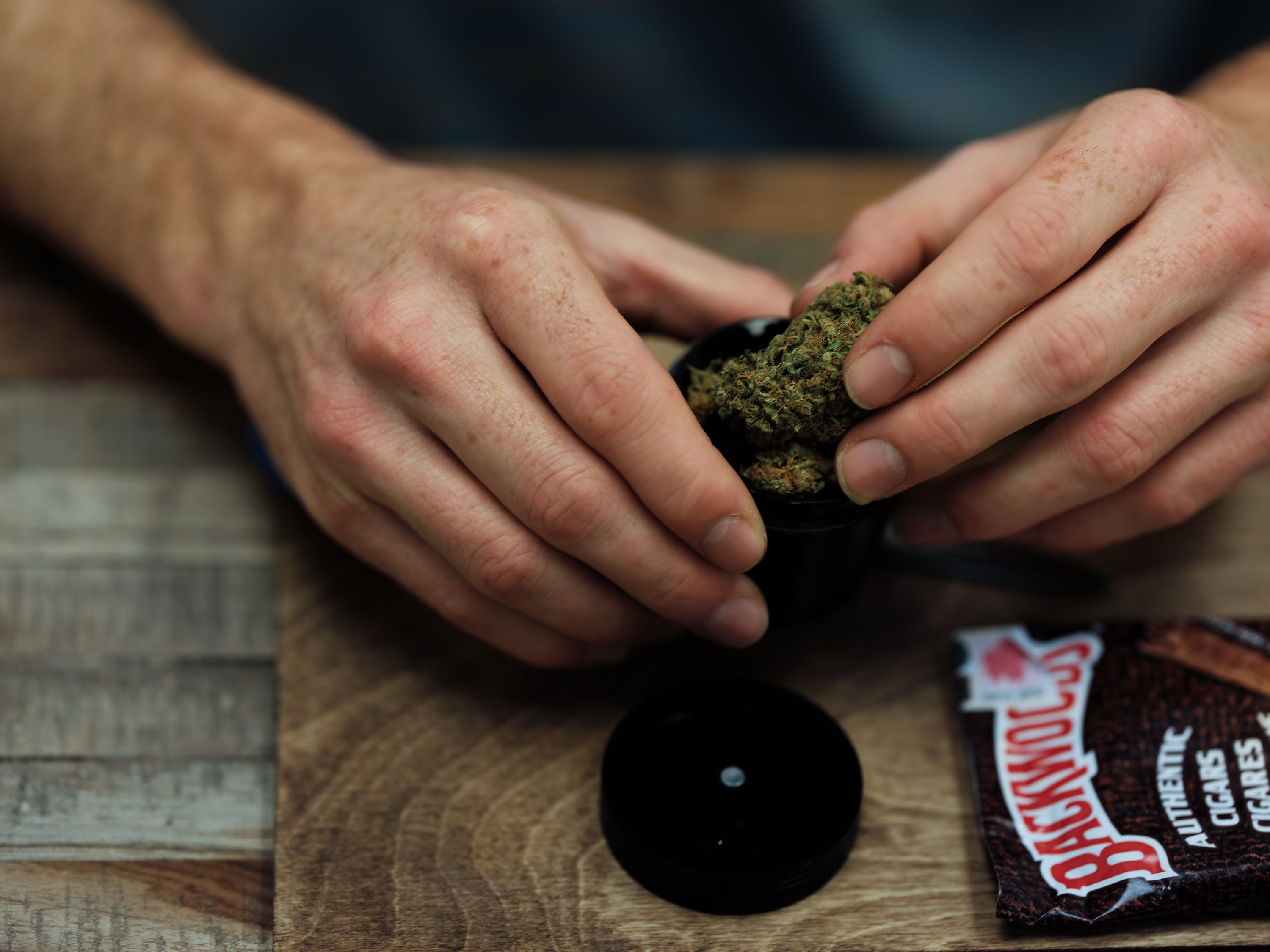 How to Roll a Backwoods Blunt 1 of 11 CBD Oil Gives This Boy Scout A Second Chance Of Life