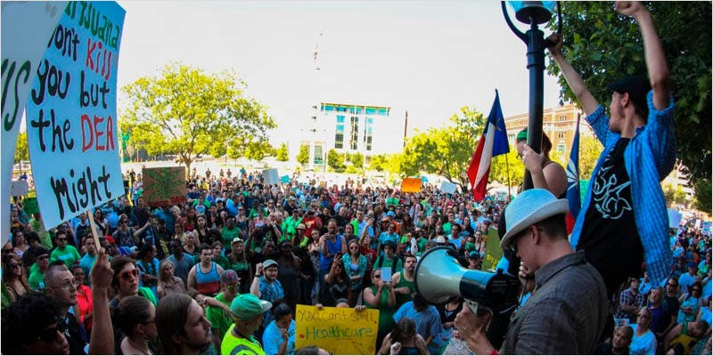 pro cannabis protests 1 The Latest Cause For Concern With Colorado Cops