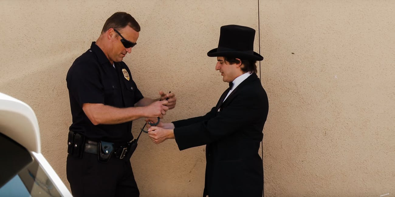 What Happened When Magician Tried To Sell Weed To This Cop?