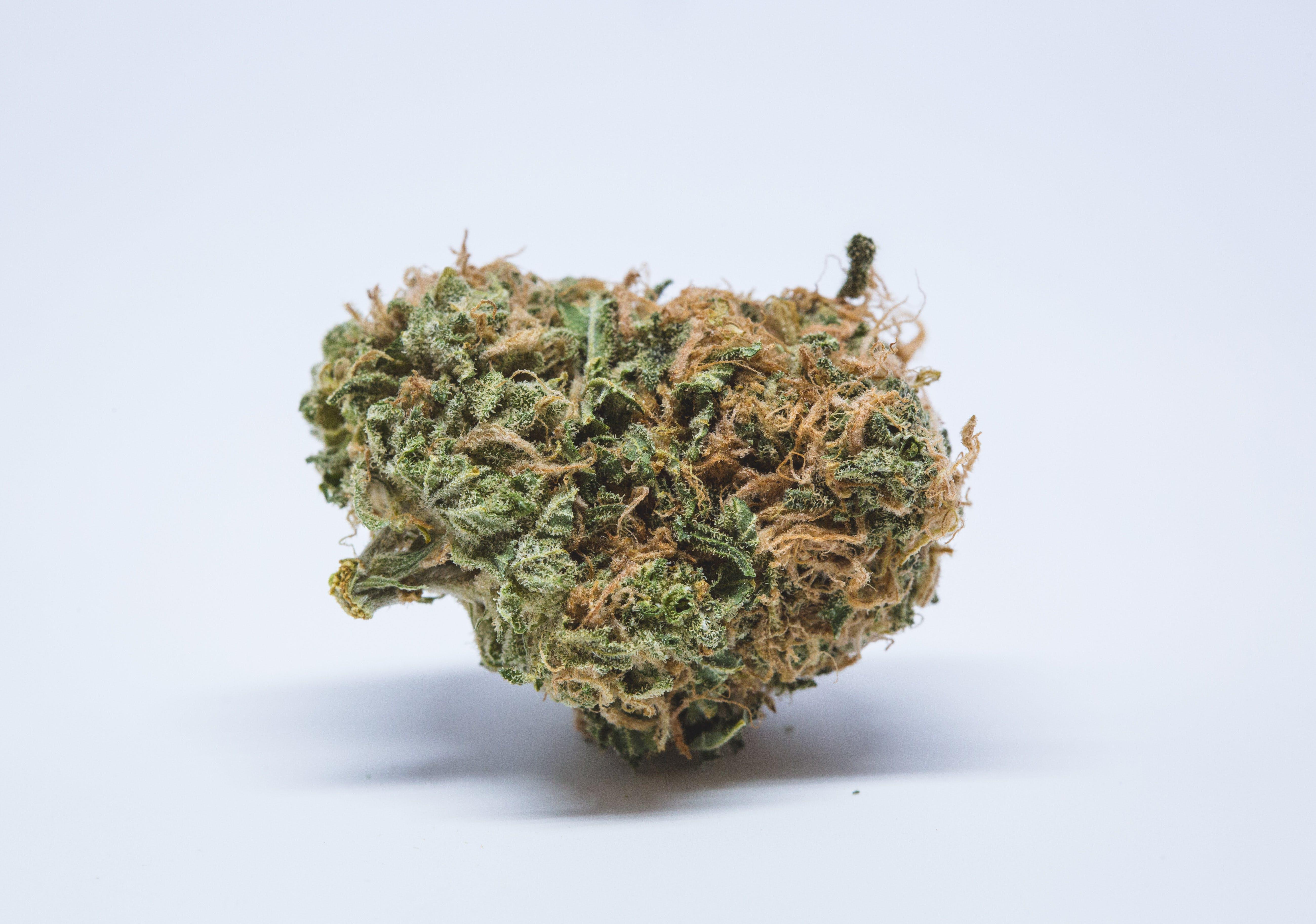 Banana Kush Weed; Banana Kush Cannabis Strain; Banana Kush Hybrid Marijuana Strain