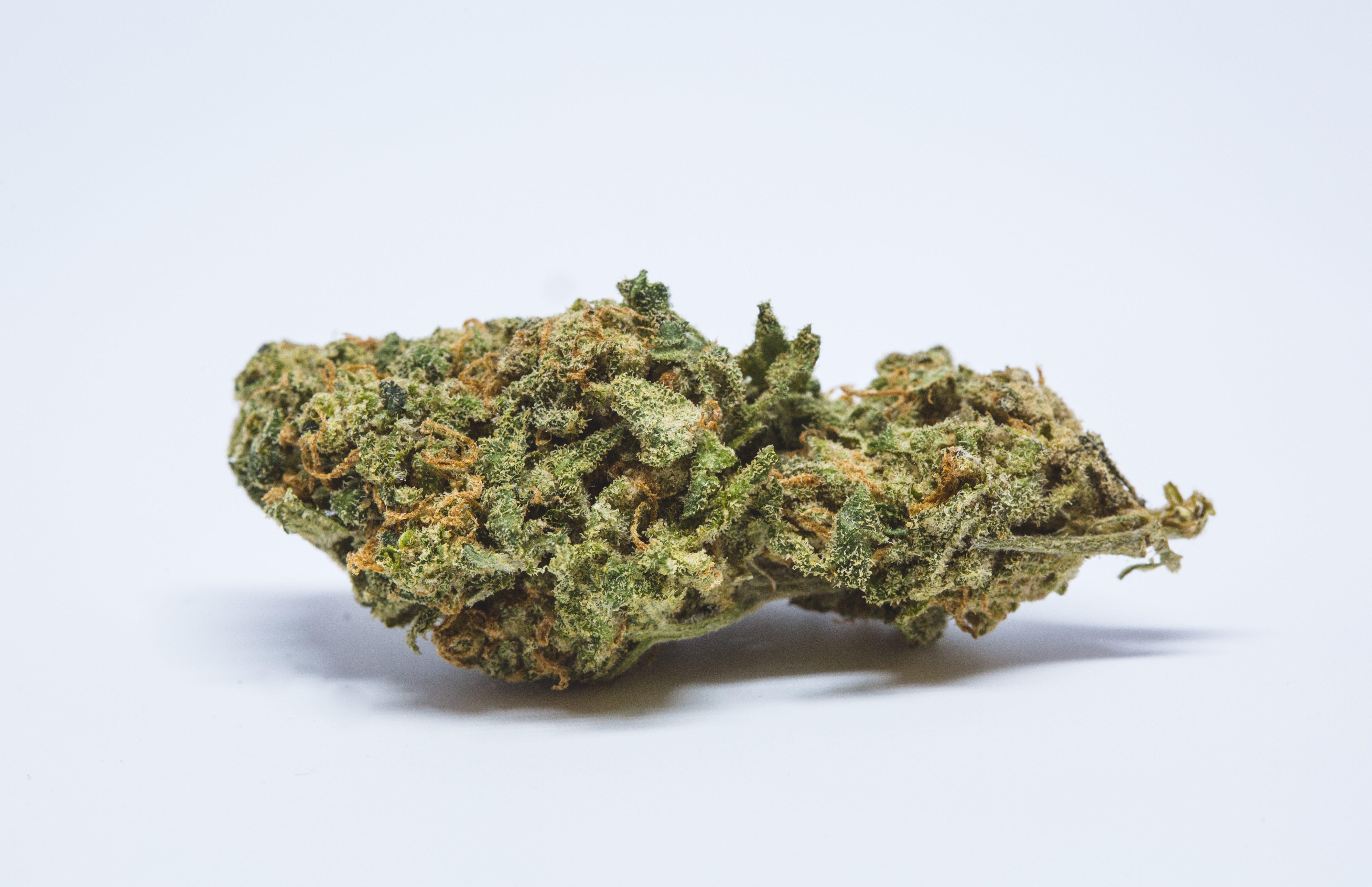 Flo Weed; Flo Cannabis Strain; Flo Hybrid Marijuana Strain