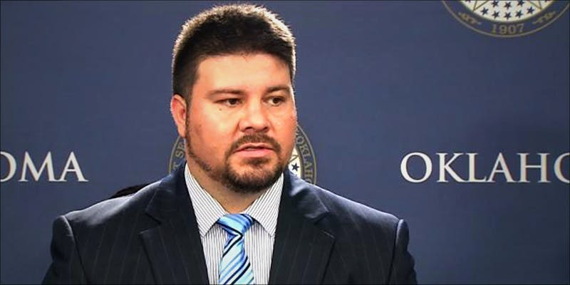 OKLAHOMA LAWMAKERS WANT 2 Oklahoma Lawmakers Want To Make Cannabis Possession A Crime Again