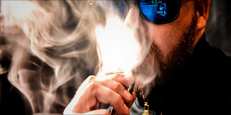 5 Reasons Why 3 5 Reasons Why You Should Vape CBD