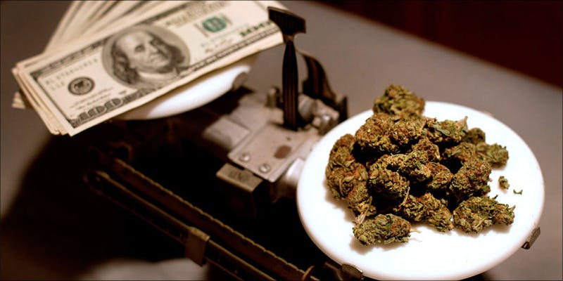 Marijuana Industry Researchers 1 7 Ways To Smoke Weed In Your Apartment On The Sly