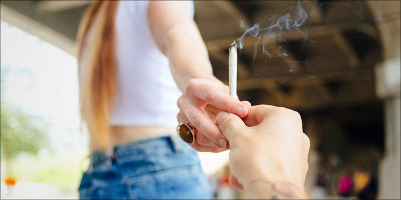 4 Important Factors 1 7 Things That may Happen the First Time you Smoke Weed