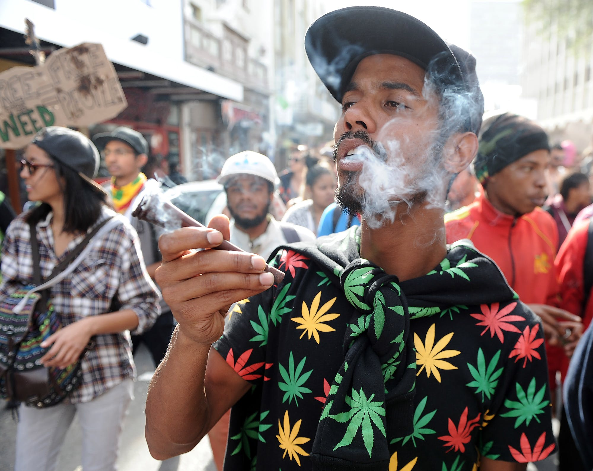 Africa on the verge of a weed race 2 of 3 How to use weed for jamming and listening to music
