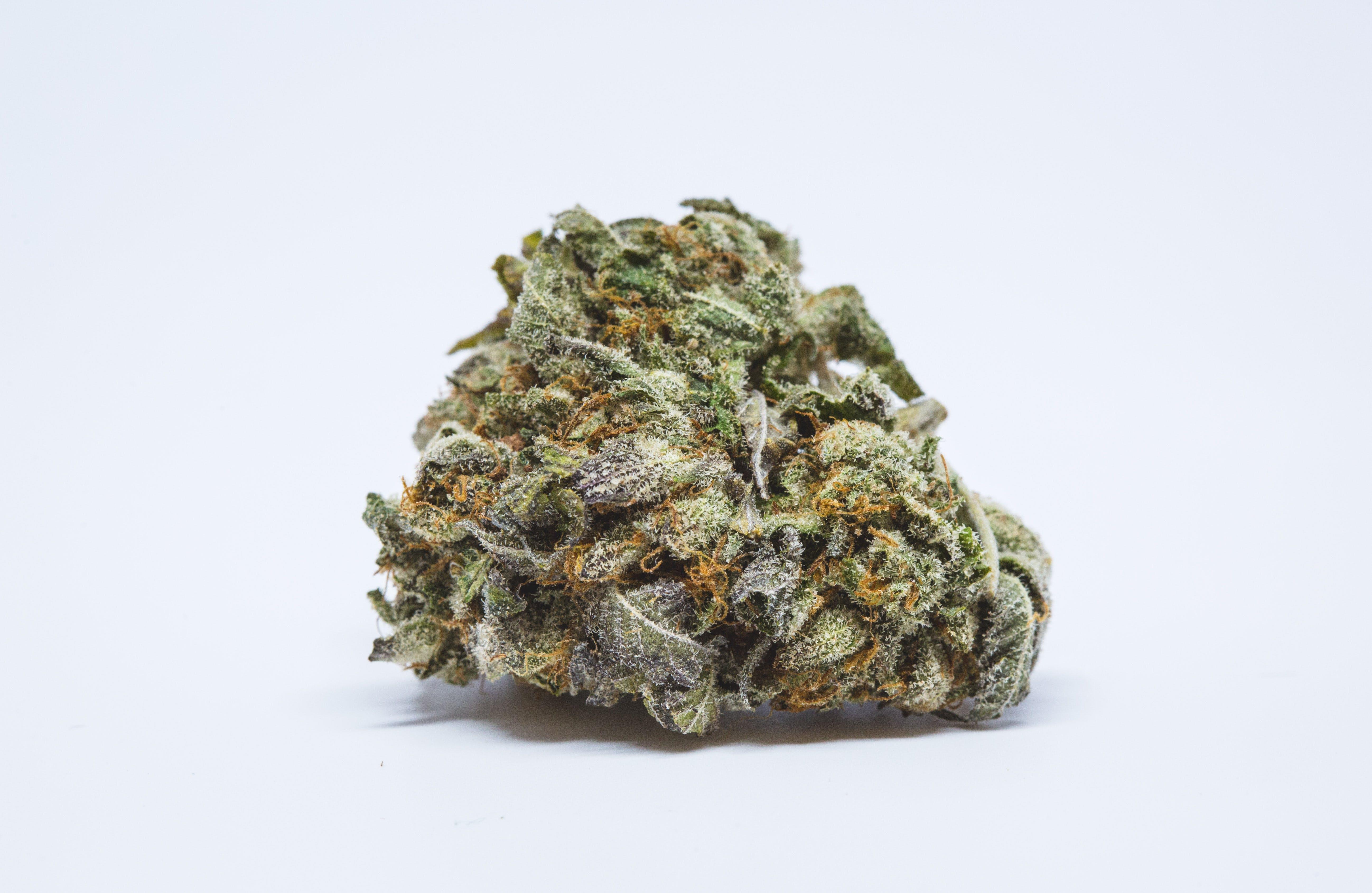 8 Ball Kush Weed; b Ball Kush Cannabis Strain; 8 Ball Kush Indica Marijuana Strain