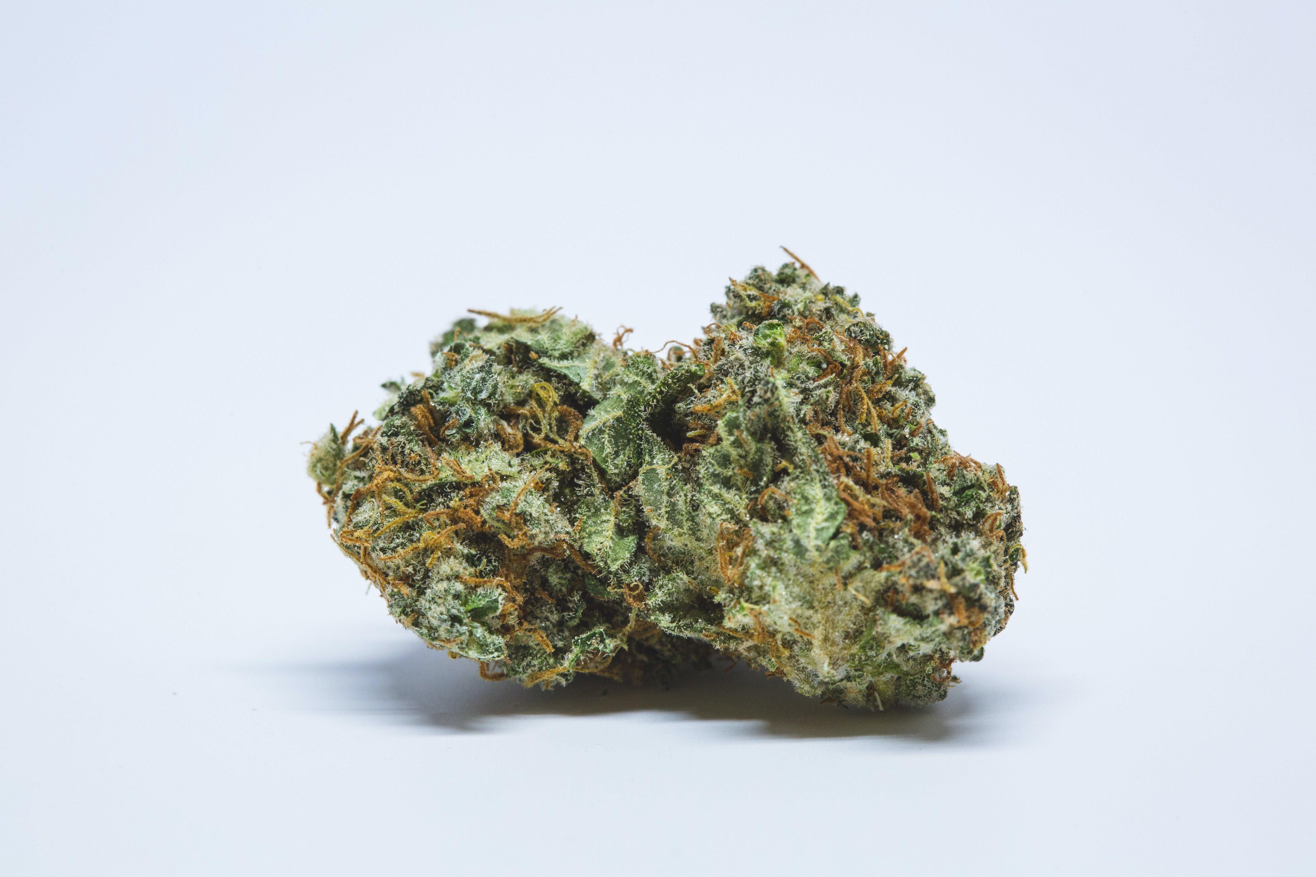 Pink Death Star Weed; Pink Death Star Cannabis Strain; Pink Death Star Indica Marijuana