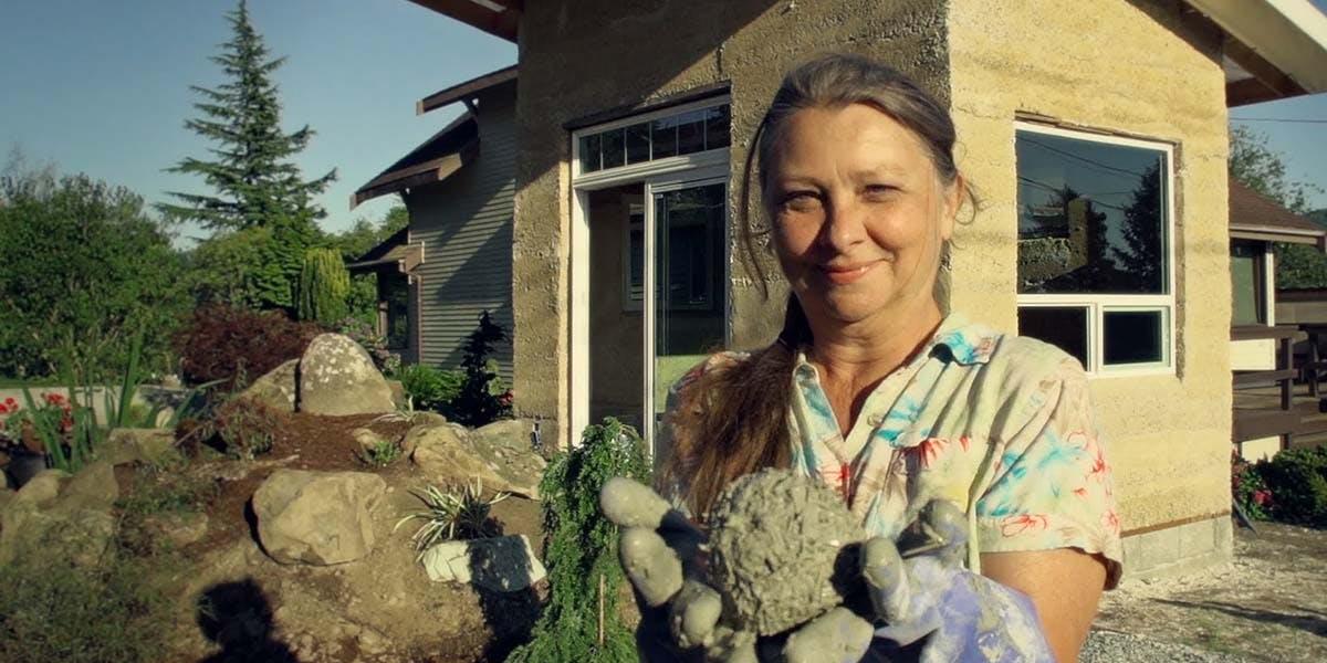 grandma makes house out of hemp