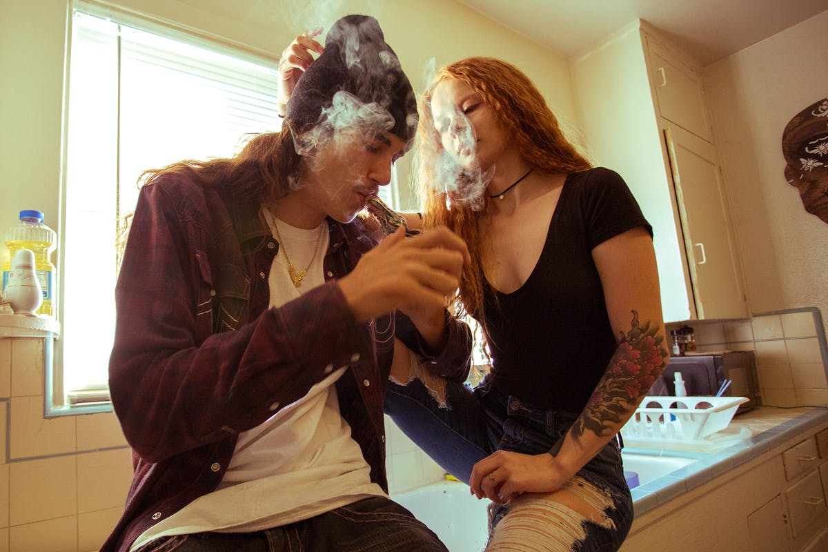 Four Reasons Why Weed Smokers Make Better Boyfriends 2 of 2 Four Reasons Why Weed Smokers Make Better Boyfriends