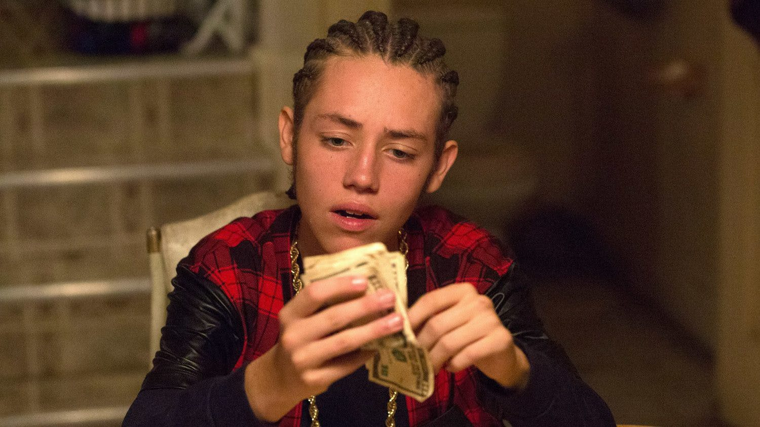 Shameless star Ethan Cutkosky was arrested for smoking weed and driving and gets a DUI