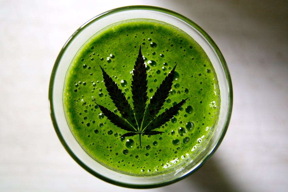 weedsmoothie Can you eat raw weed?