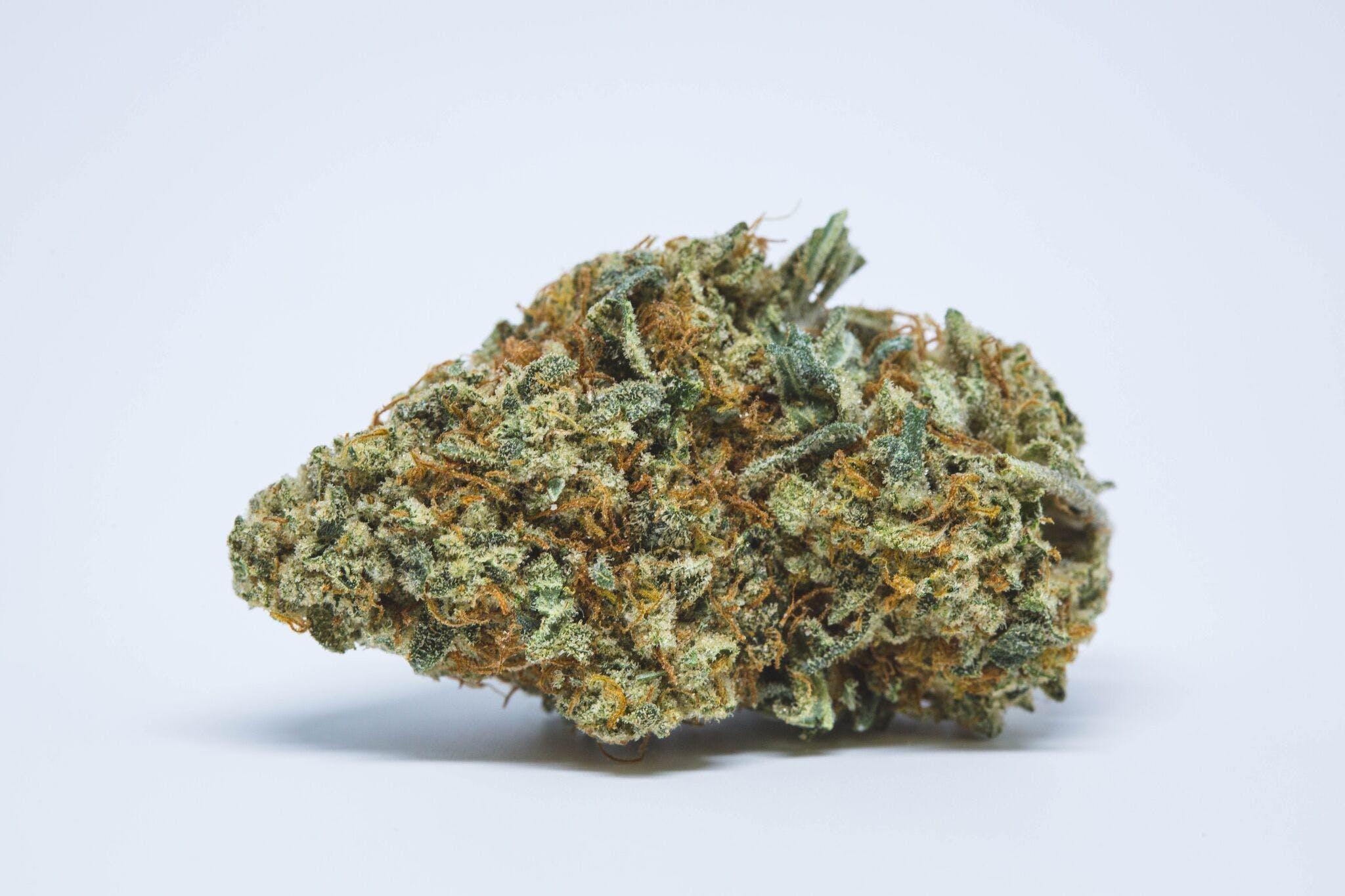 Pineapple Chunk Weed; Pineapple Chunk Cannabis Strain; Pineapple Chunk Hybrid Strain