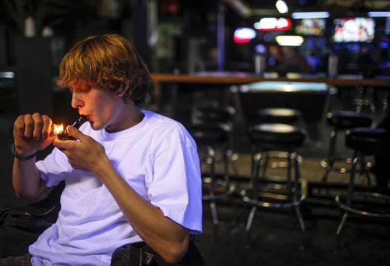 smoke it1 Backlog [ PARTIALLY IMAGED] Legalization In Washington: Bar Lets People Smoke Weed, Loses Liquor License