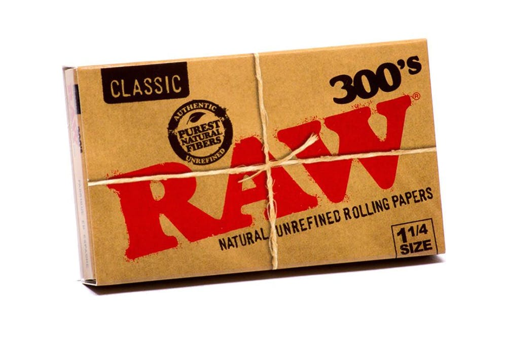 RAW These are the rolling papers Wiz Khalifa uses