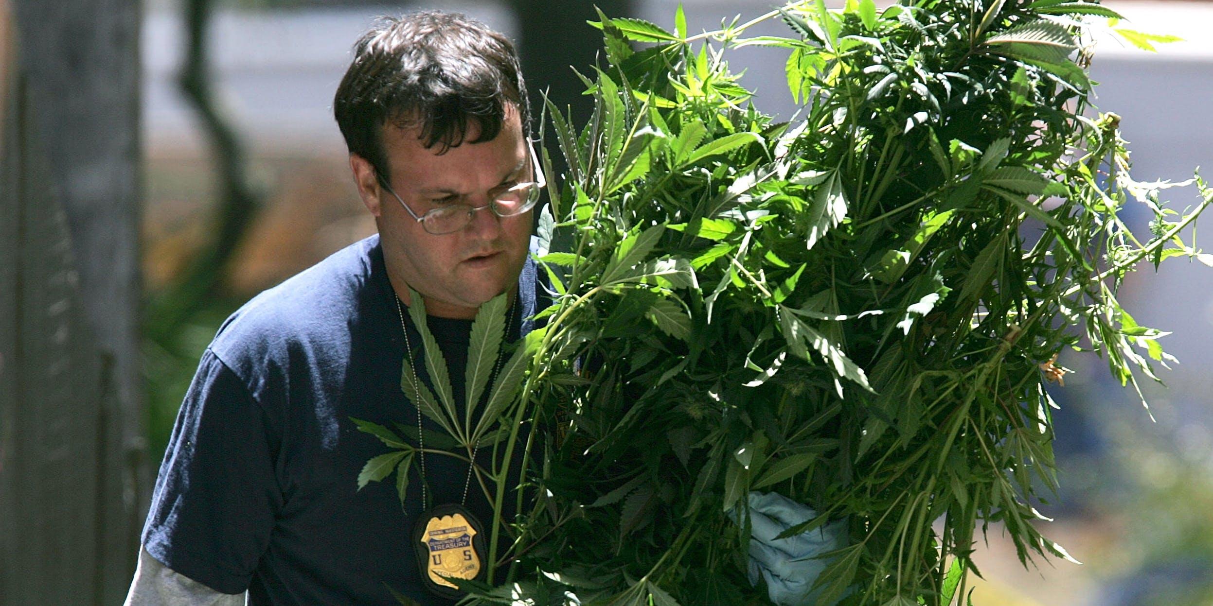 Federal Agents Raid Medical Marijuana Club in 2005