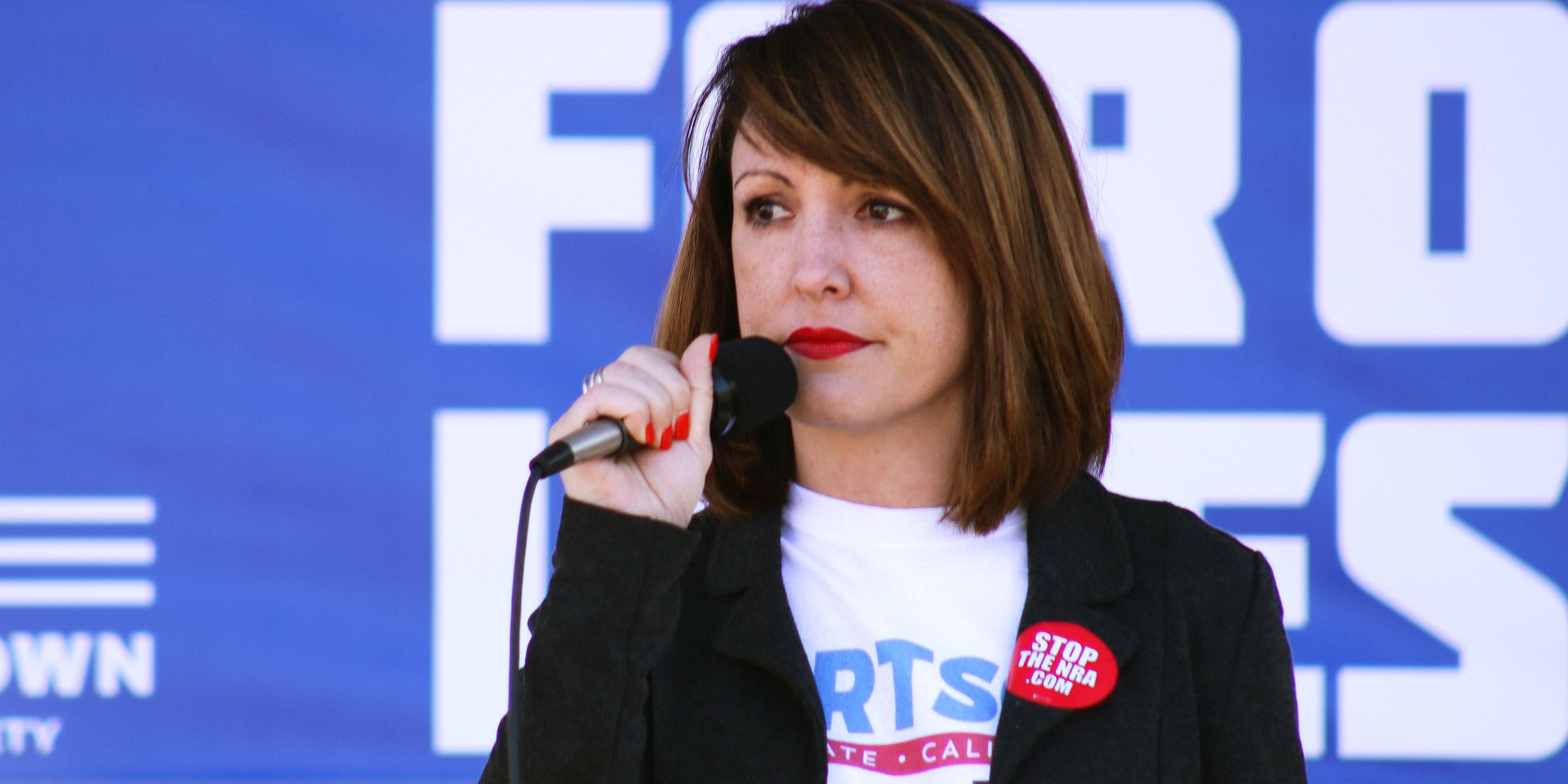 Alison Hartson speaking at the march for our lives