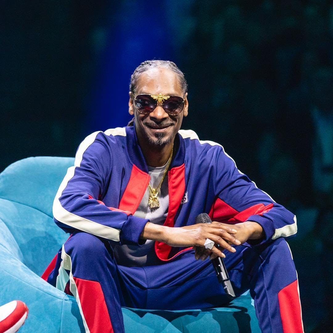 Snoop Dogg Says Canada Ahead of US on Pot4 Cannabis Cafes In Paris Are Trying To Claim The Bud They Sell Isnt For Smoking