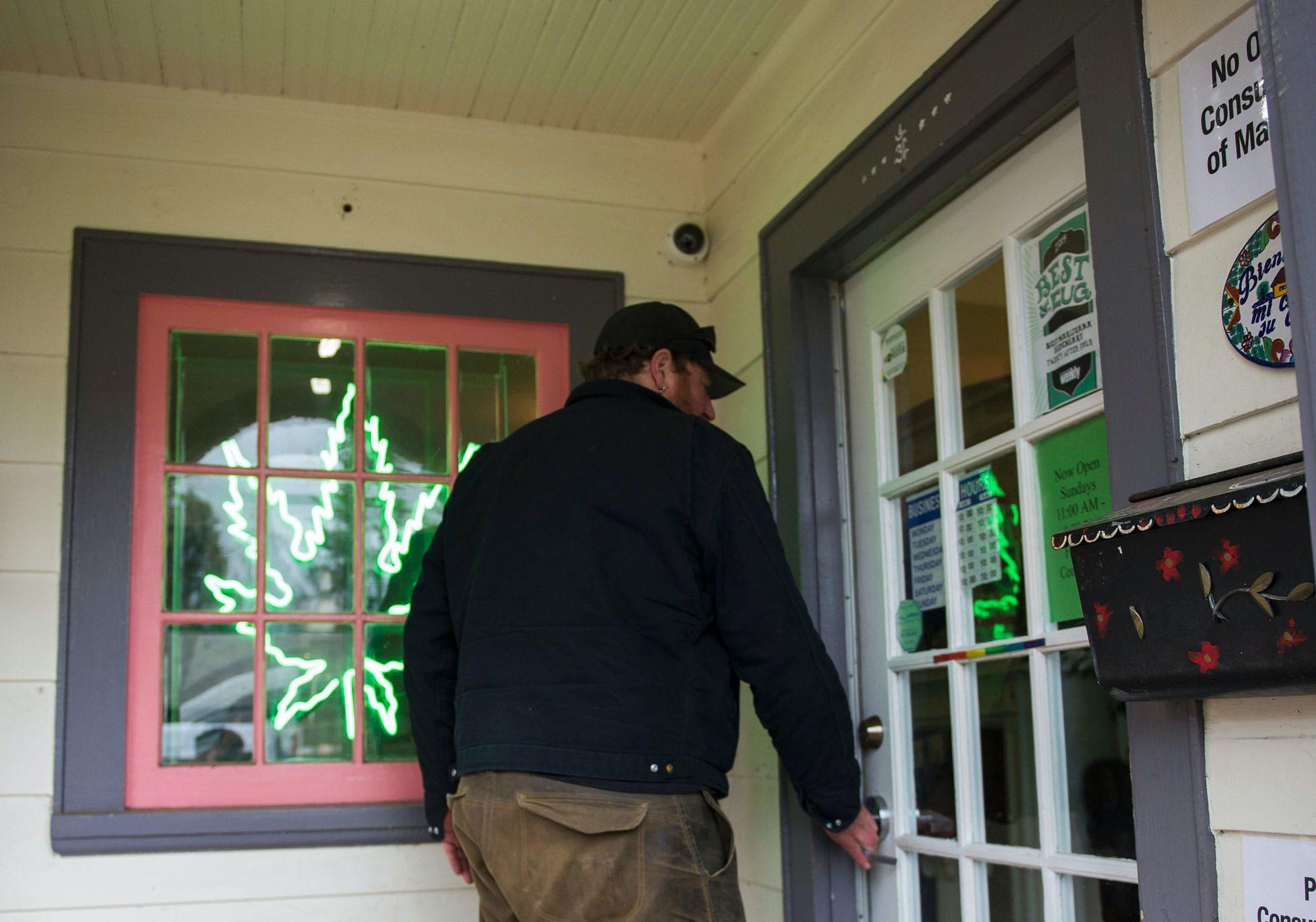 US Attorney for Oregon announced he will enforce the federal marijuana ban1 Congress Blocks Recreational Marijuana Sales In Washington, D.C.