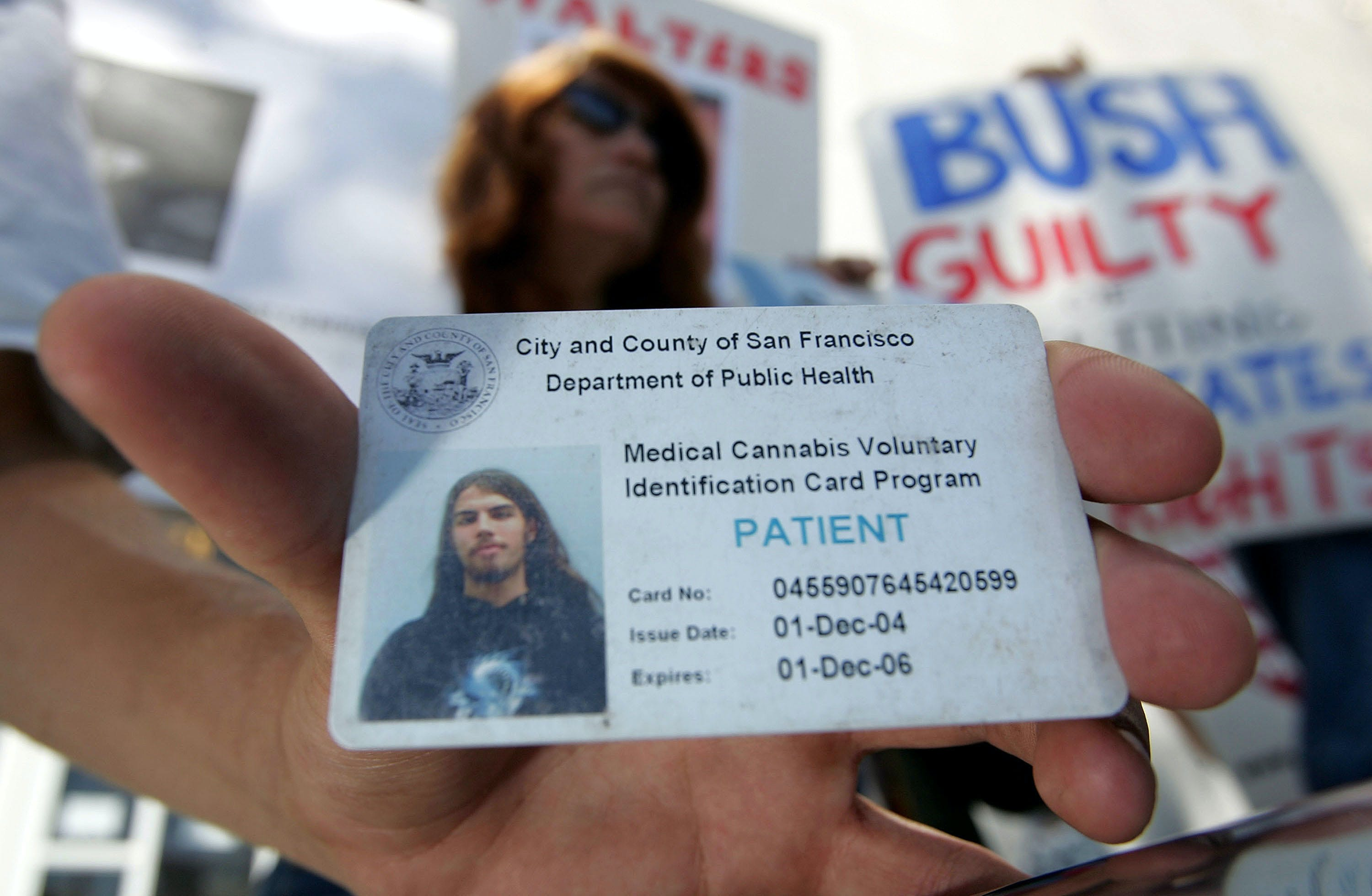 Rhode Island Dispensaries Can Now Sell Pot to Out of State Patients Rhode Island Dispensaries Can Now Sell Pot to Out of State Patients