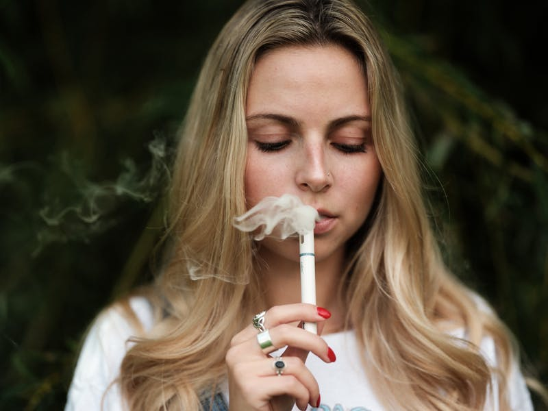 The 5 Best Alternatives to Smoking Weed For Cannabis Users1 The 5 Best Alternatives to Smoking Weed For Cannabis Users