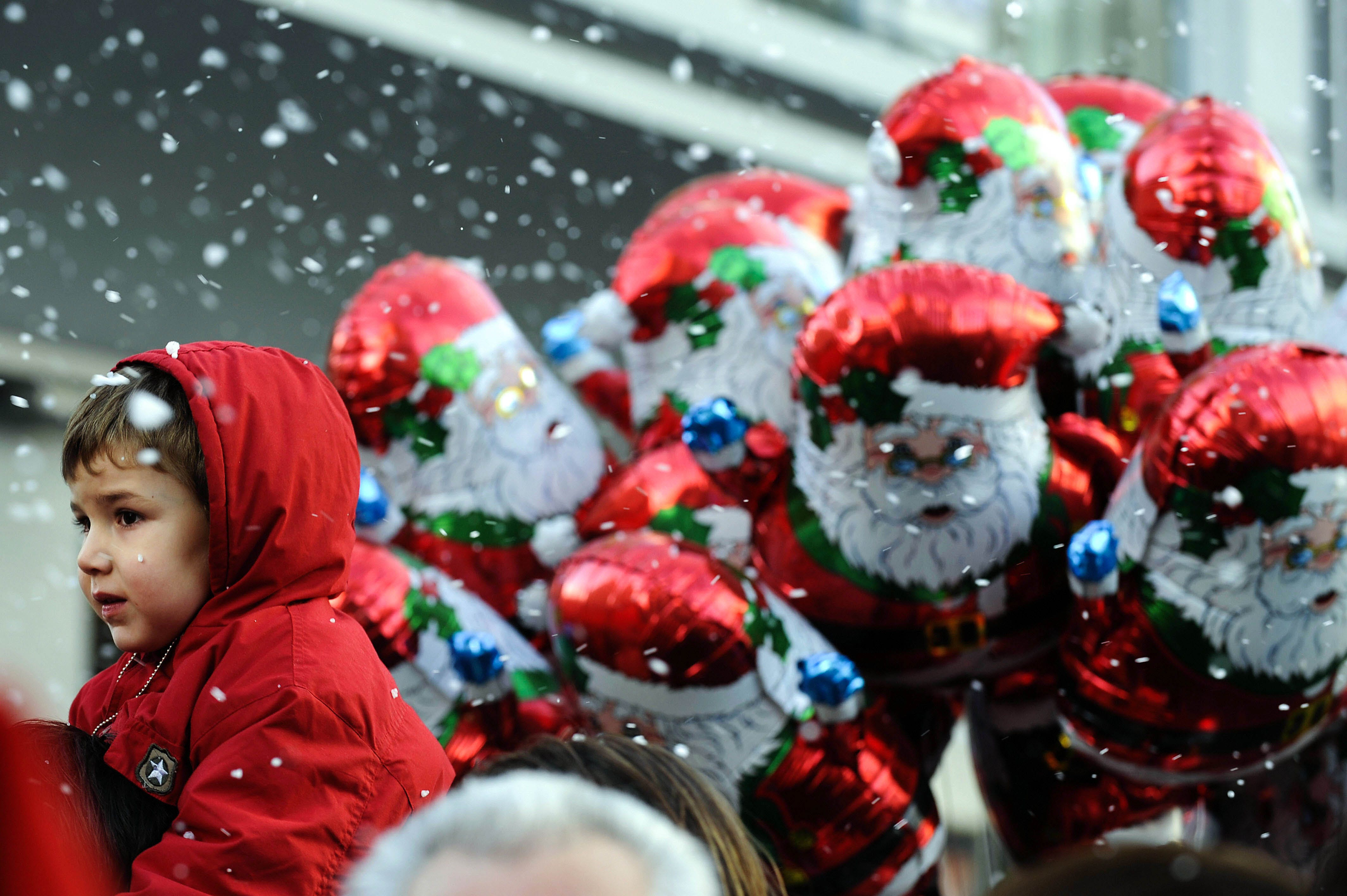 Vancouver Santa Clause Parade Asks Attendees to Refrain From Smoking Pot1 2 This Canadian City Said No Pot at the Parade—But Did People Listen?