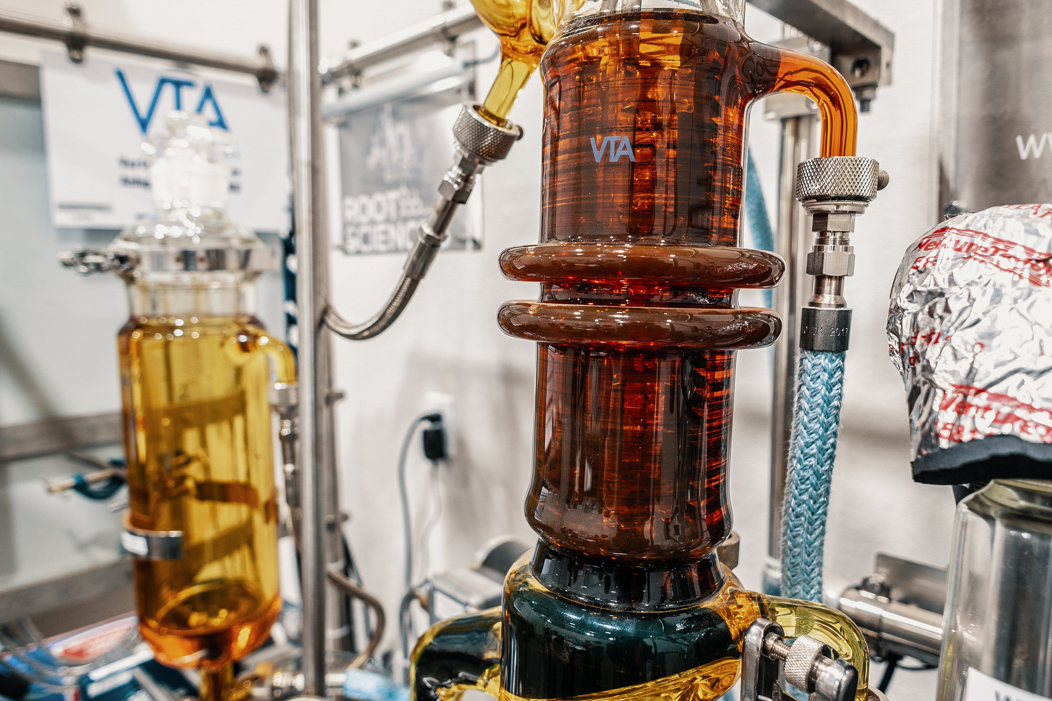 DSC 8765 1 Ethanol Extraction vs. CO2 Extraction: What Is The Best Way To Make Hemp Oil?