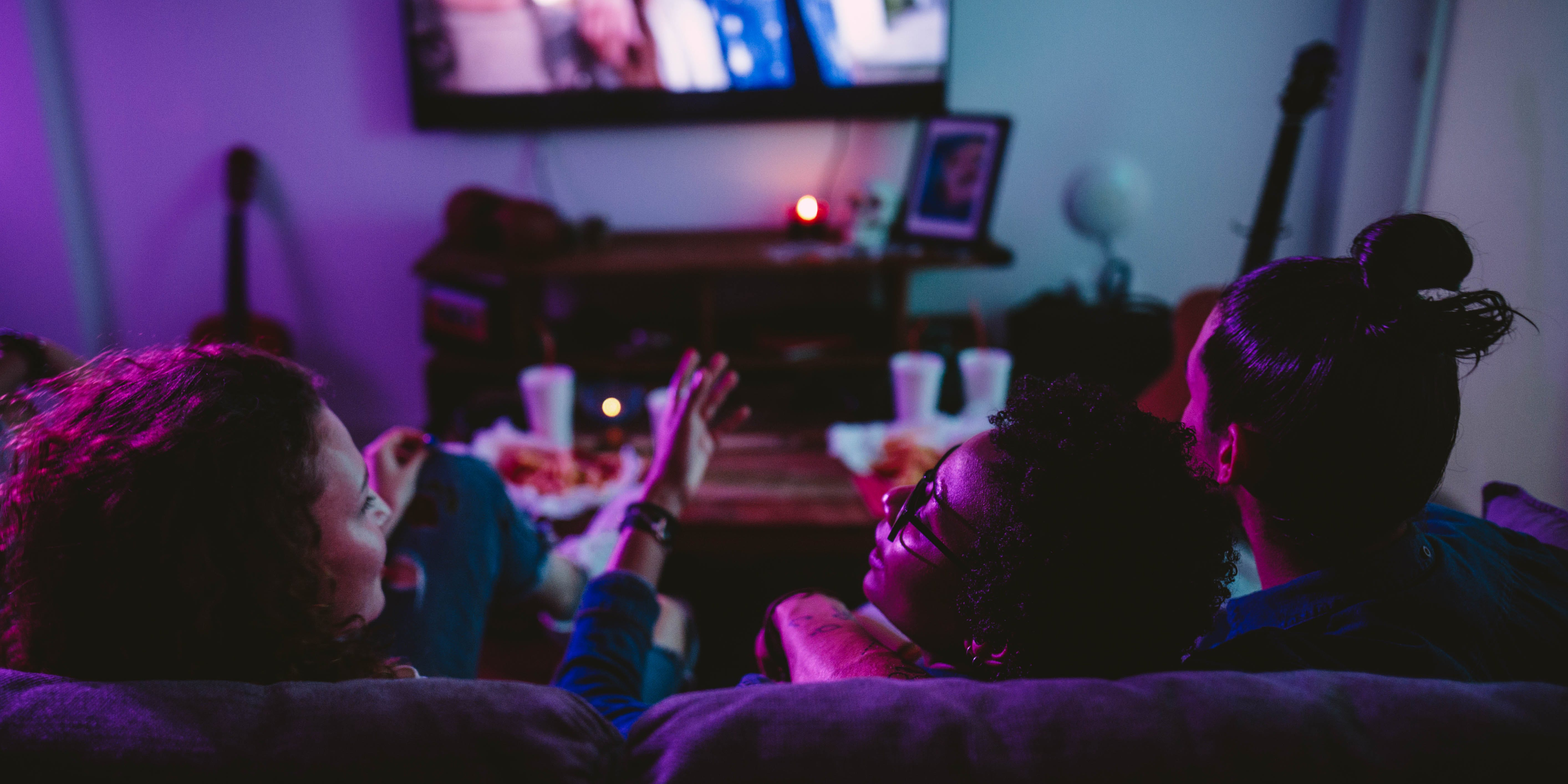 It's the time of year to get cozy and watch Christmas movies. Herb has your list of the best Christmas movies to watch while high.