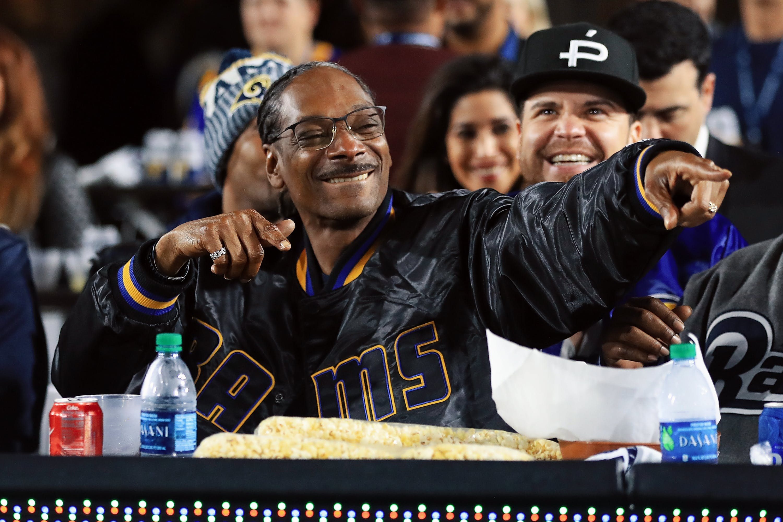 diaz2 1 Cameron Diaz Talks Buying Weed From Snoop Dogg in High School